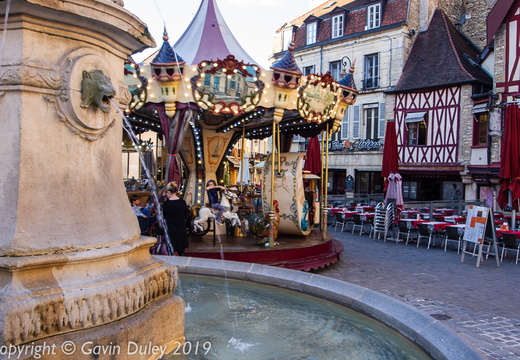 Merry-go-round and old restaurants, Centre ville, Dijon